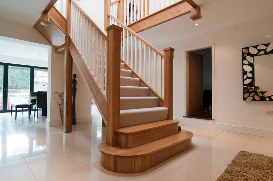 Oak Staircase With Pillar Support